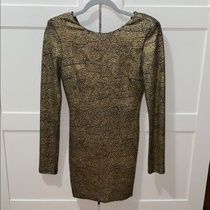 Dresses & Skirts - Beautiful metallic gold dress